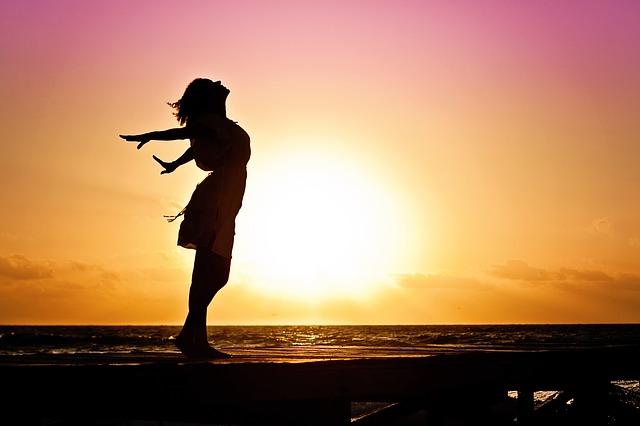 Costumbres que tienes que dejar de hacer ya para ser feliz