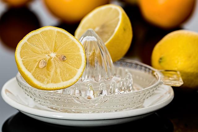 El limón ayuda a eliminar el mal aliento